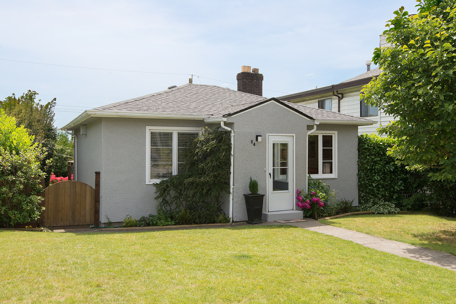 Single Family Home for Sale at Vancouver East, Greater Vancouver 50 E 60th Avenue Vancouver, British Columbia, V5X 1Z6 Canada