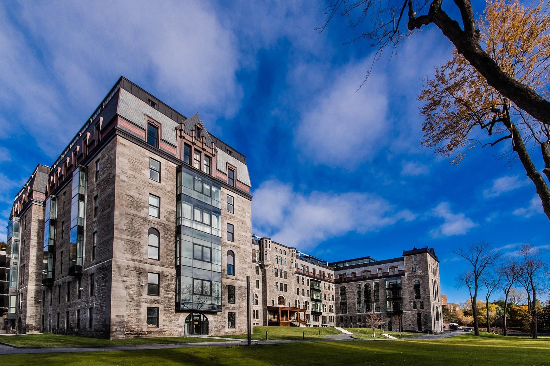 Condominio per Vendita alle ore Ville-Marie, Montréal 3150 Place De Ramezay, Apt. PH505 Ville-Marie, Quebec, H3Y0A3 Canada