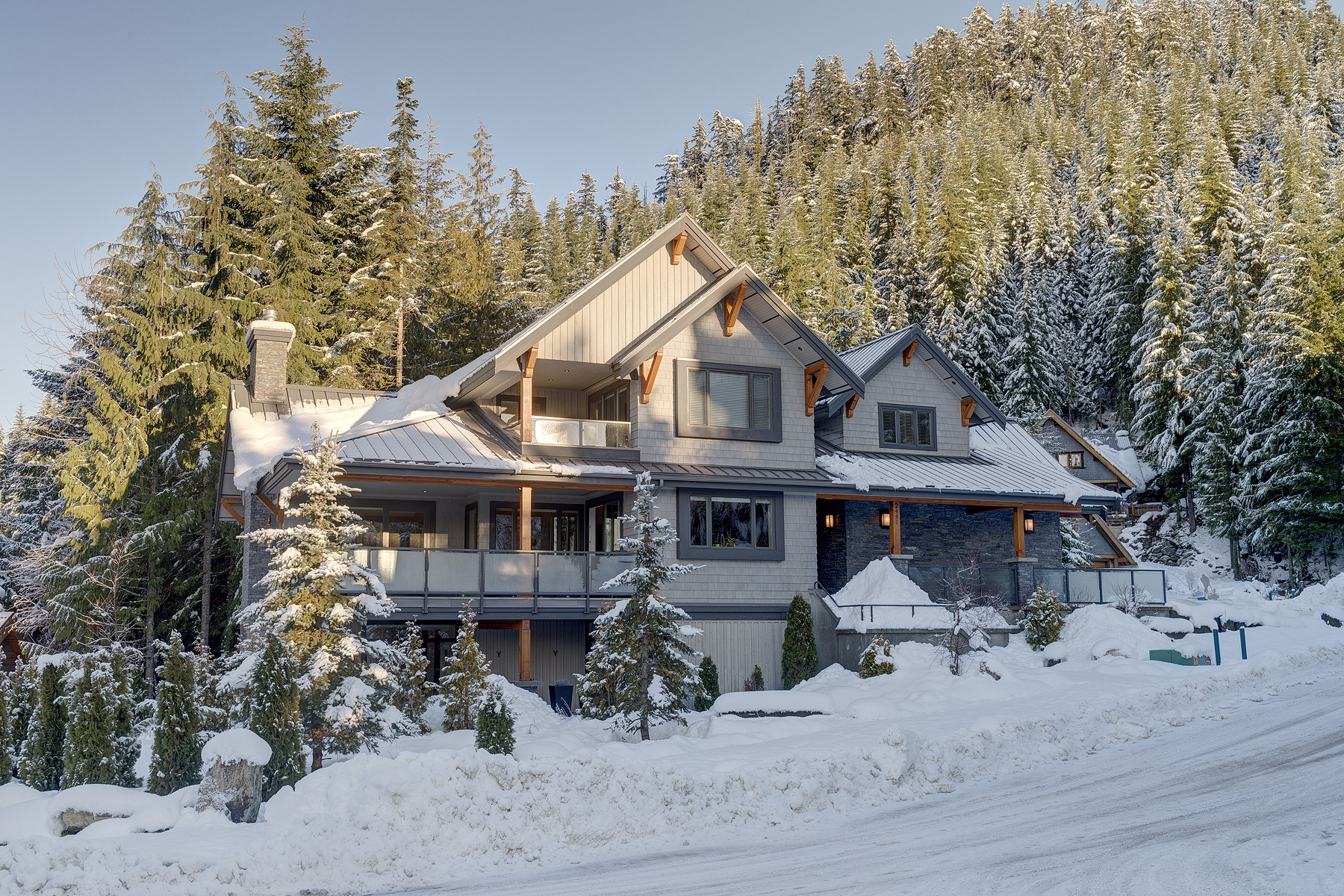 Single Family Home for Sale at Ursa Minor Bear Creek Estates 2441 Snow Valley Place Whistler, British Columbia V0N 1B2 Canada