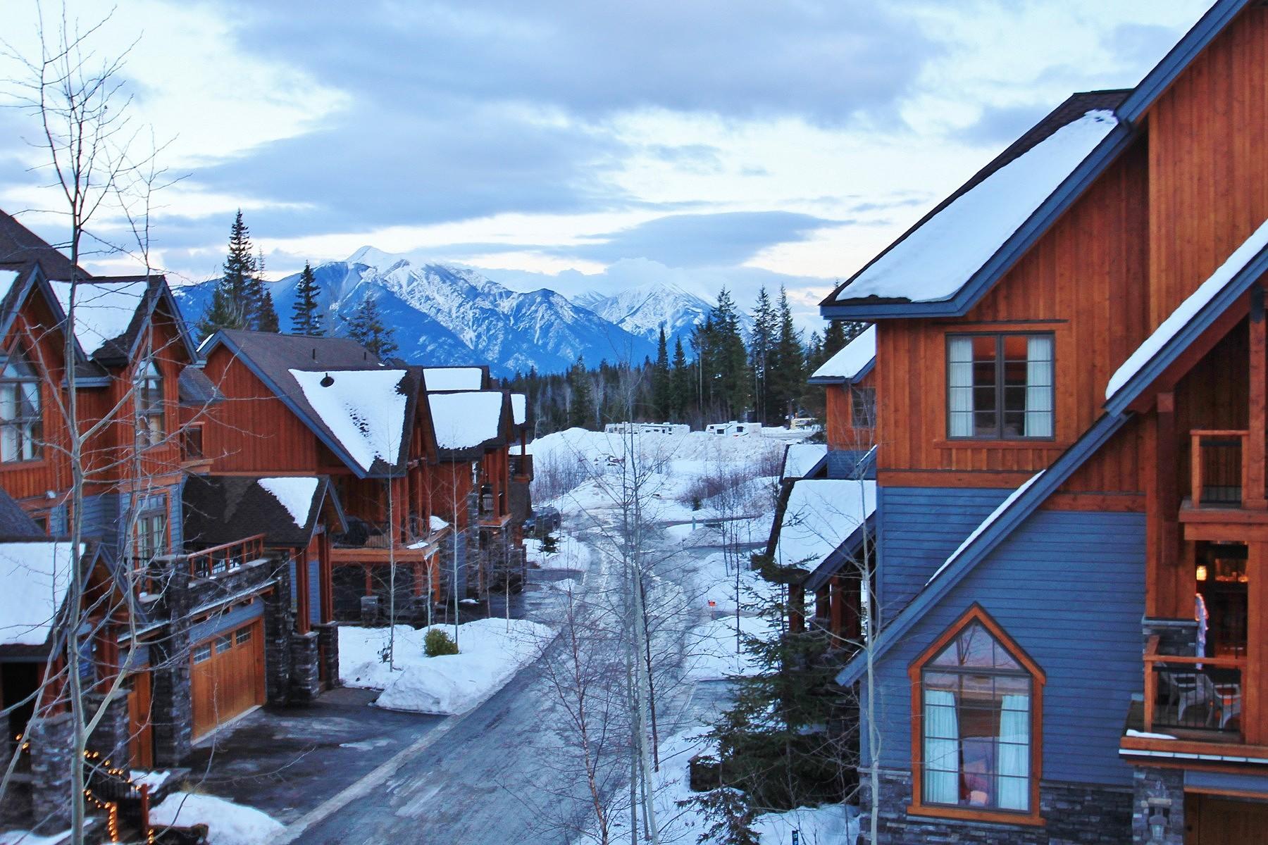Residência urbana para Venda às Like a Single Family Home 1-1595 Whitetooth Trail Golden, Columbia Britanica V0A1H0 Canadá