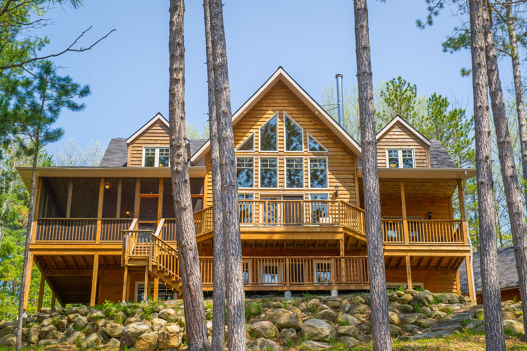 Single Family Home for Sale at 6 Bedrm Waterfront Home 147 Gall Trail Huntsville, Ontario, P0B 1M0 Canada