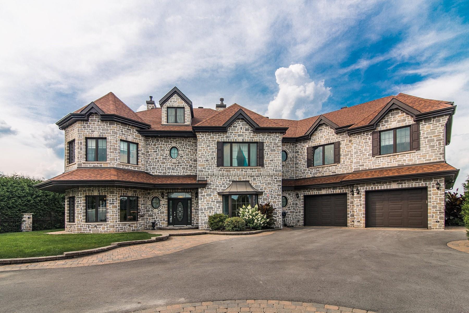 Частный односемейный дом для того Продажа на Terrebonne (Terrebonne), Lanaudière 2335 Côte de Terrebonne Terrebonne, Квебек J6Y1H6 Канада