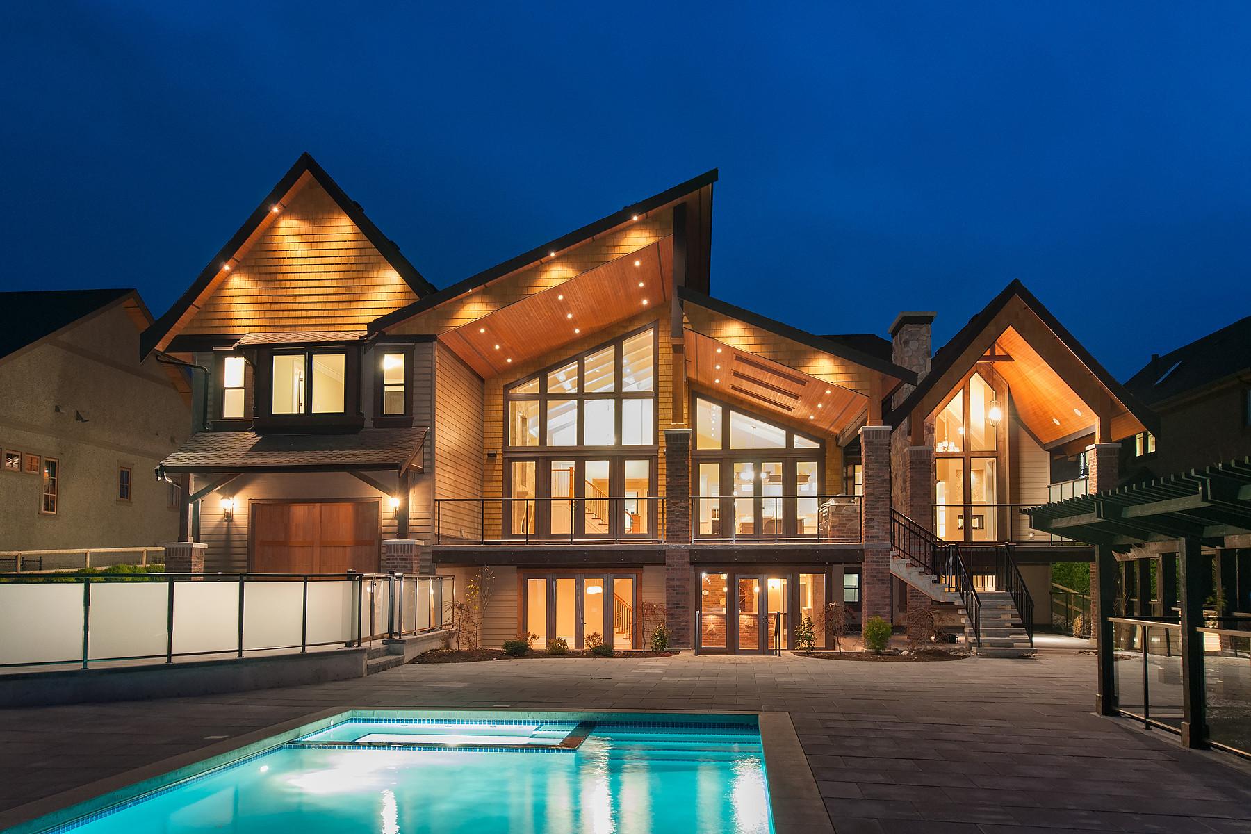 独户住宅 为 销售 在 Captivating Custom Home 20145 2nd Avenue Langley, 不列颠哥伦比亚省 V2Z 0A3 加拿大