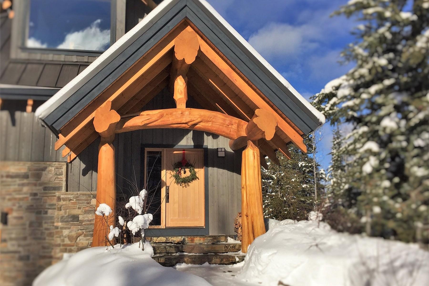 Casa Unifamiliar por un Venta en True Timber-Frame Chalet 1612 Purcell Woods Close Golden, British Columbia V0A1H0 Canadá
