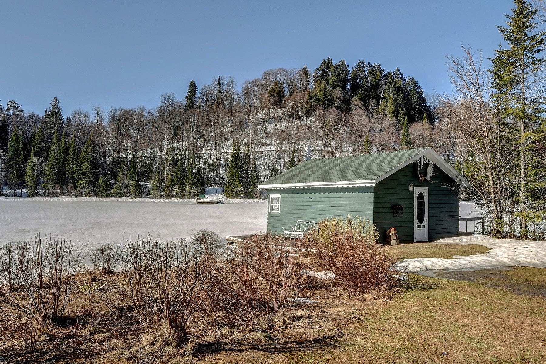 Additional photo for property listing at Sainte-Agathe-des-Monts, Laurentides 12 Av. des Aulnes 圣阿加特, 魁北克省 J8C2Z7 加拿大