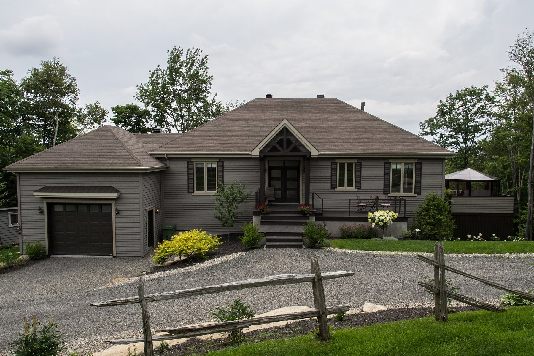 sales property at Sainte-Anne-des-Lacs, Laurentides