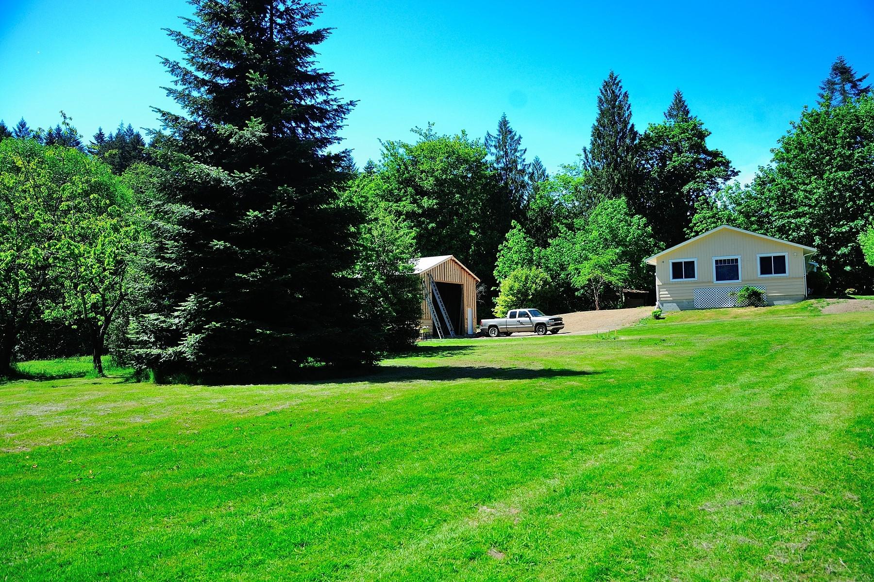 Nhà ở một gia đình vì Bán tại Country Estate 2984 Mount Sicker Rd. Chemainus, British Columbia, V0R 1K0 Canada