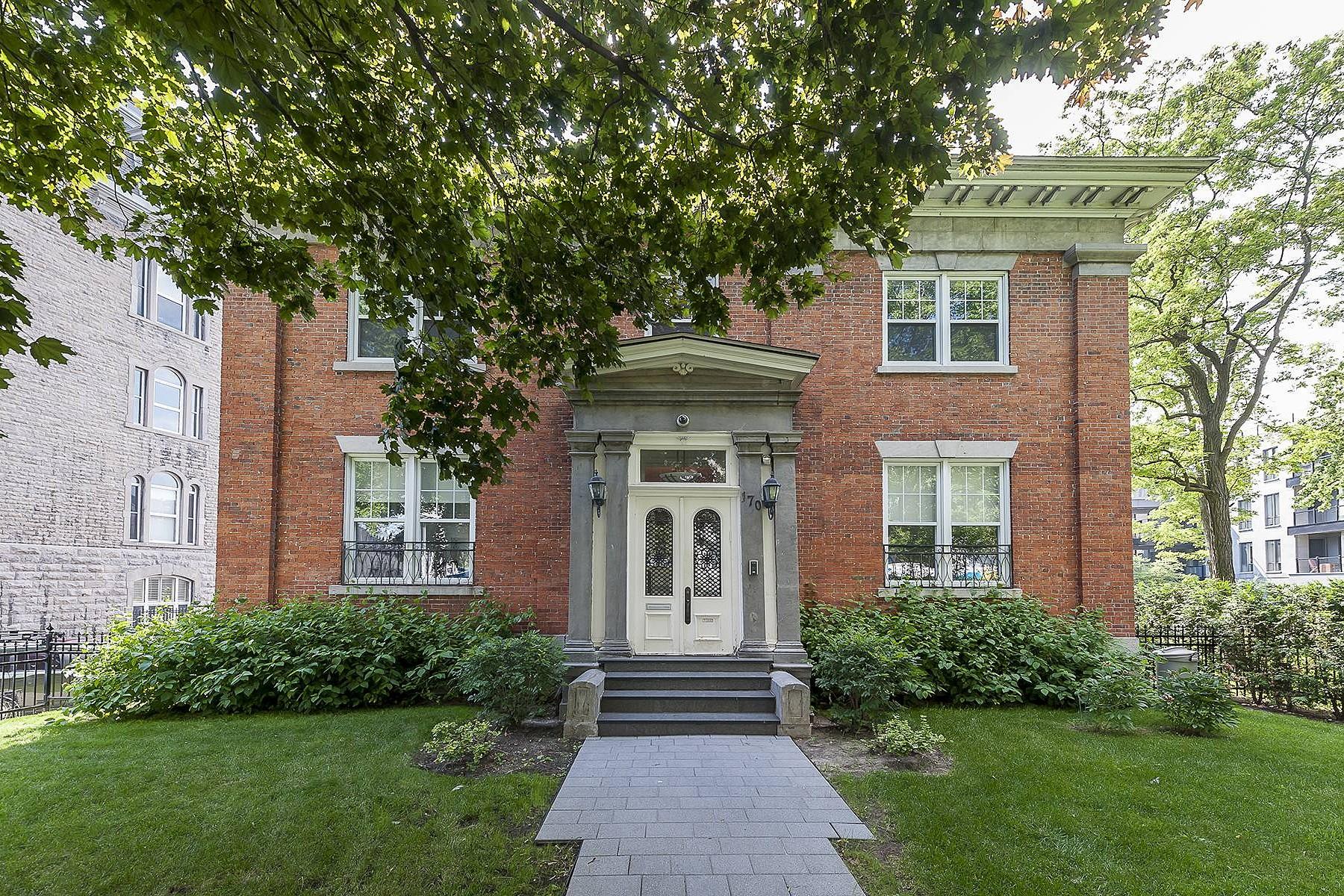 Tek Ailelik Ev için Satış at Ville-Marie (Montréal), Montréal 170 Rue Sherbrooke E. Montreal, Quebec H2X1C8 Kanada