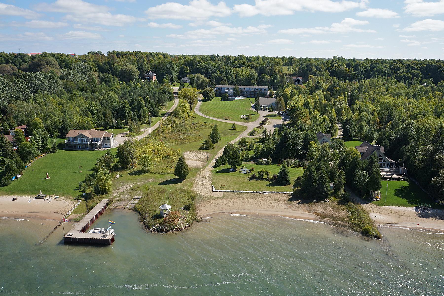 Otras residenciales por un Venta en Waterview On The Bay Motel 501205 Grey Rd 1 Georgian Bay, Ontario N0H2T0 Canadá