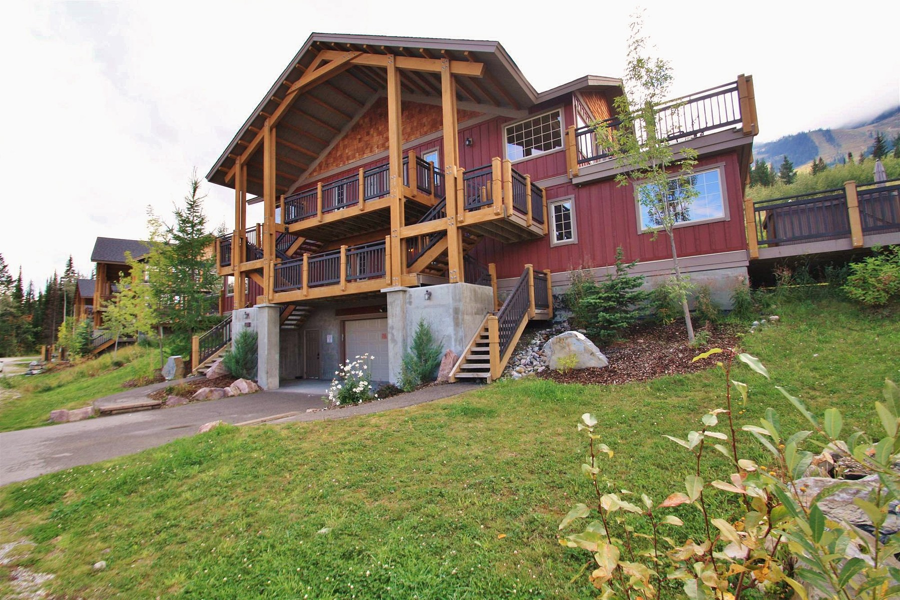 Residência urbana para Venda às Slope-Side Retreat 12-1322 Kauffman View Golden, Columbia Britanica V0A1H0 Canadá