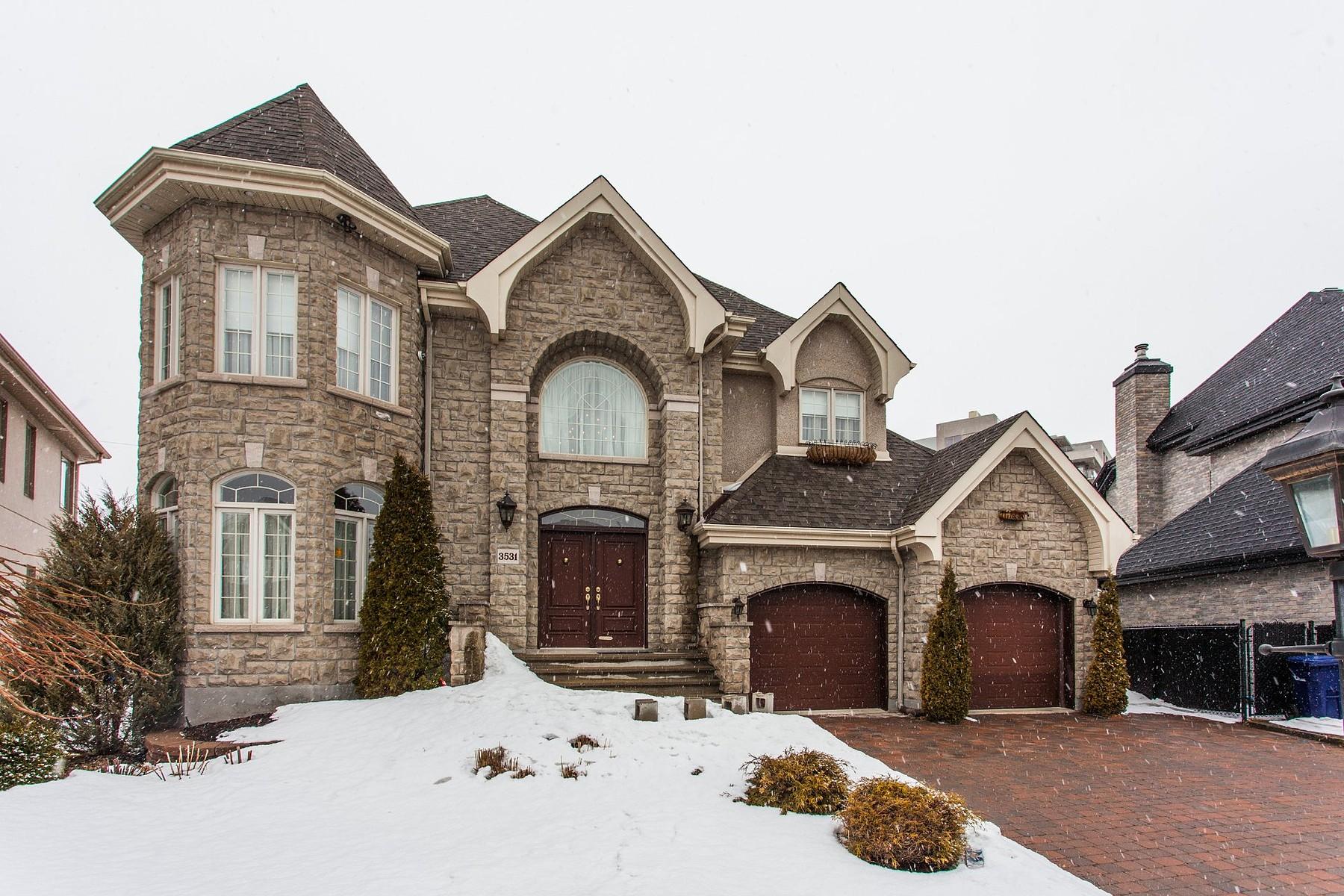 Casa para uma família para Venda às Fabreville (Laval), Laval 3531 Rue des Abenakis Fabreville, Quebec, H7P6A3 Canadá