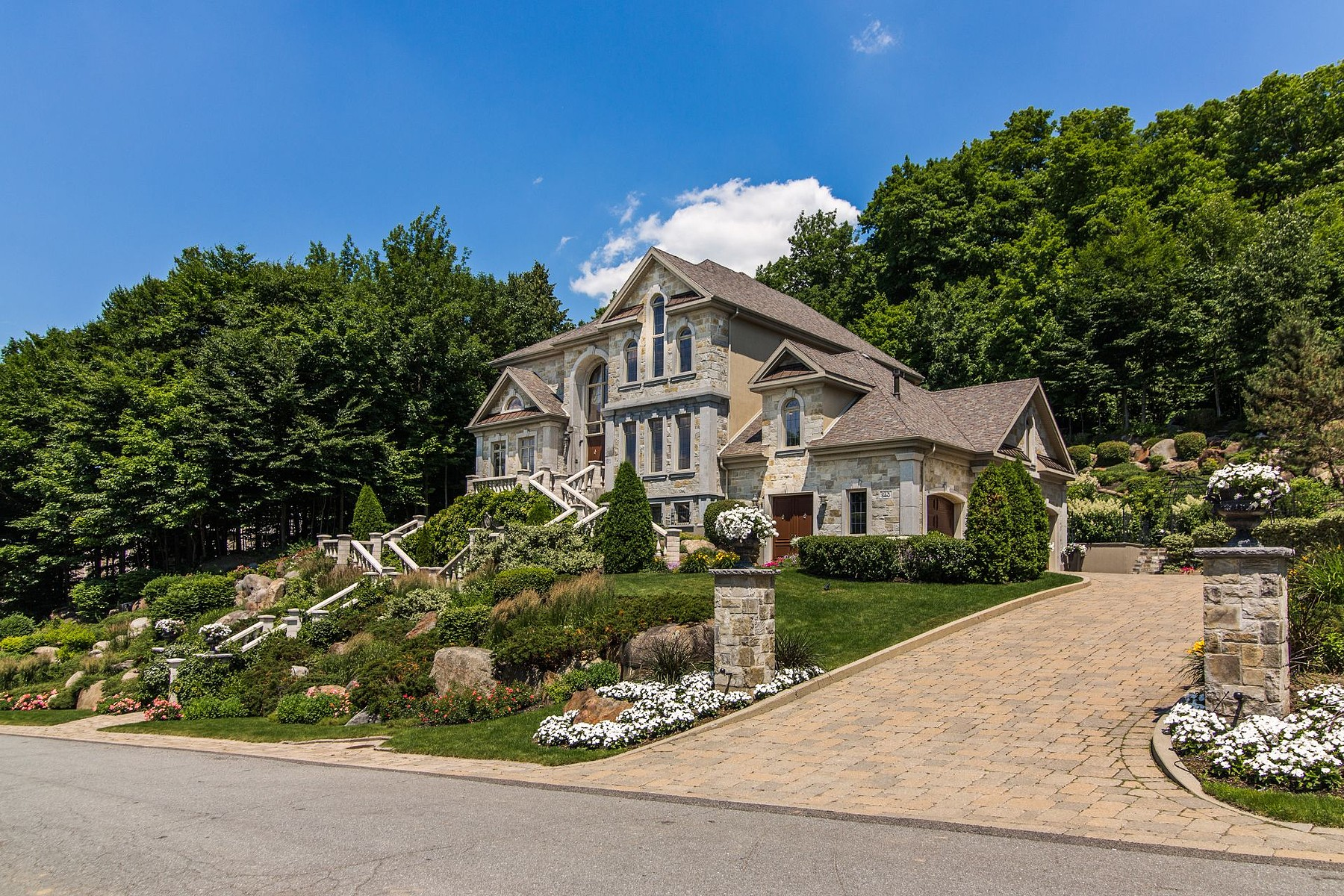 一戸建て のために 売買 アット Mont-Saint-Hilaire, Montérégie 840 Rue Jordi-Bonet Mont-Saint-Hilaire, ケベック, J3H5M7 カナダ