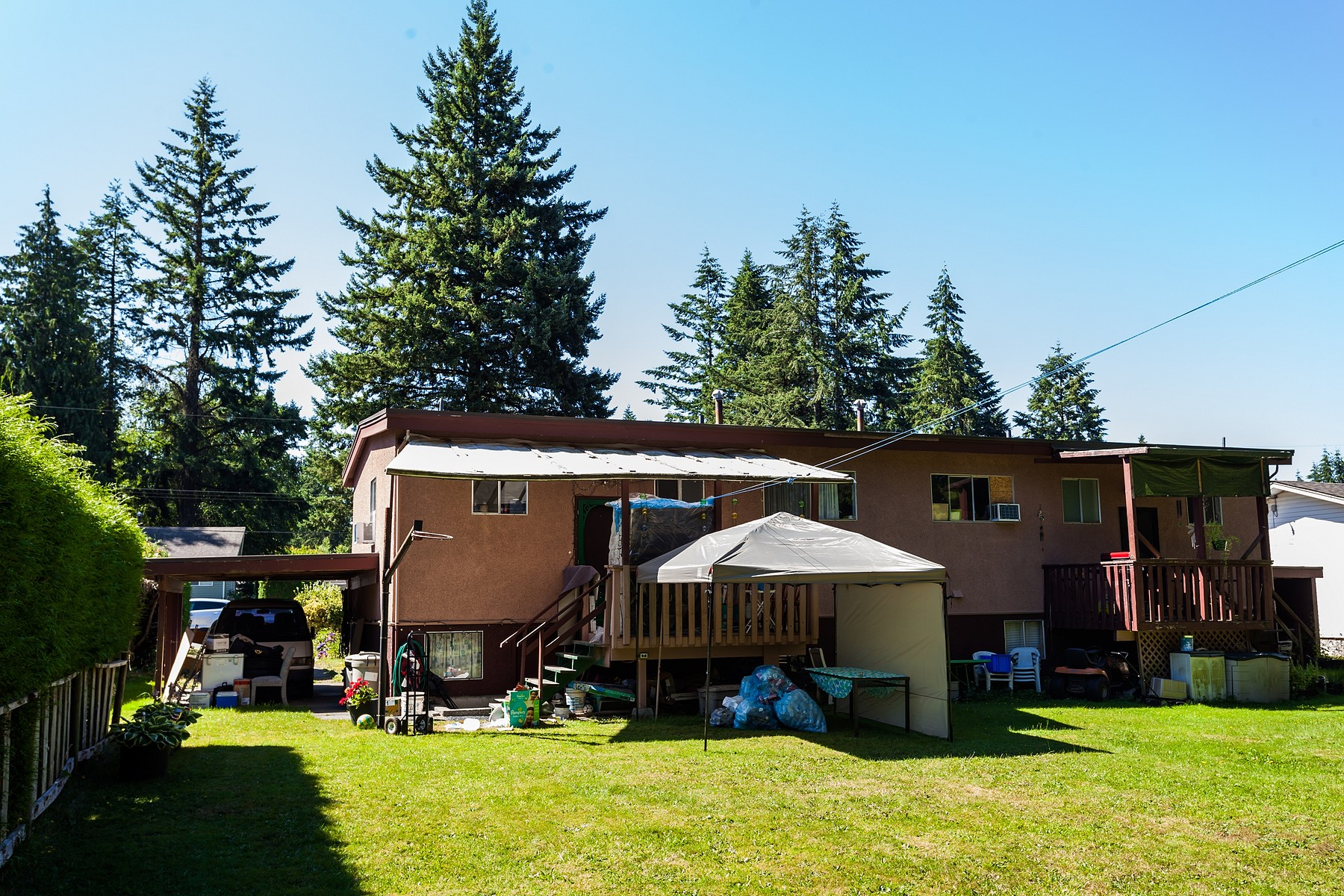 Additional photo for property listing at Abbotsford, Fraser Valley 34281-34283 Redwood Avenue Abbotsford, British Columbia V2S 2T6 Canada