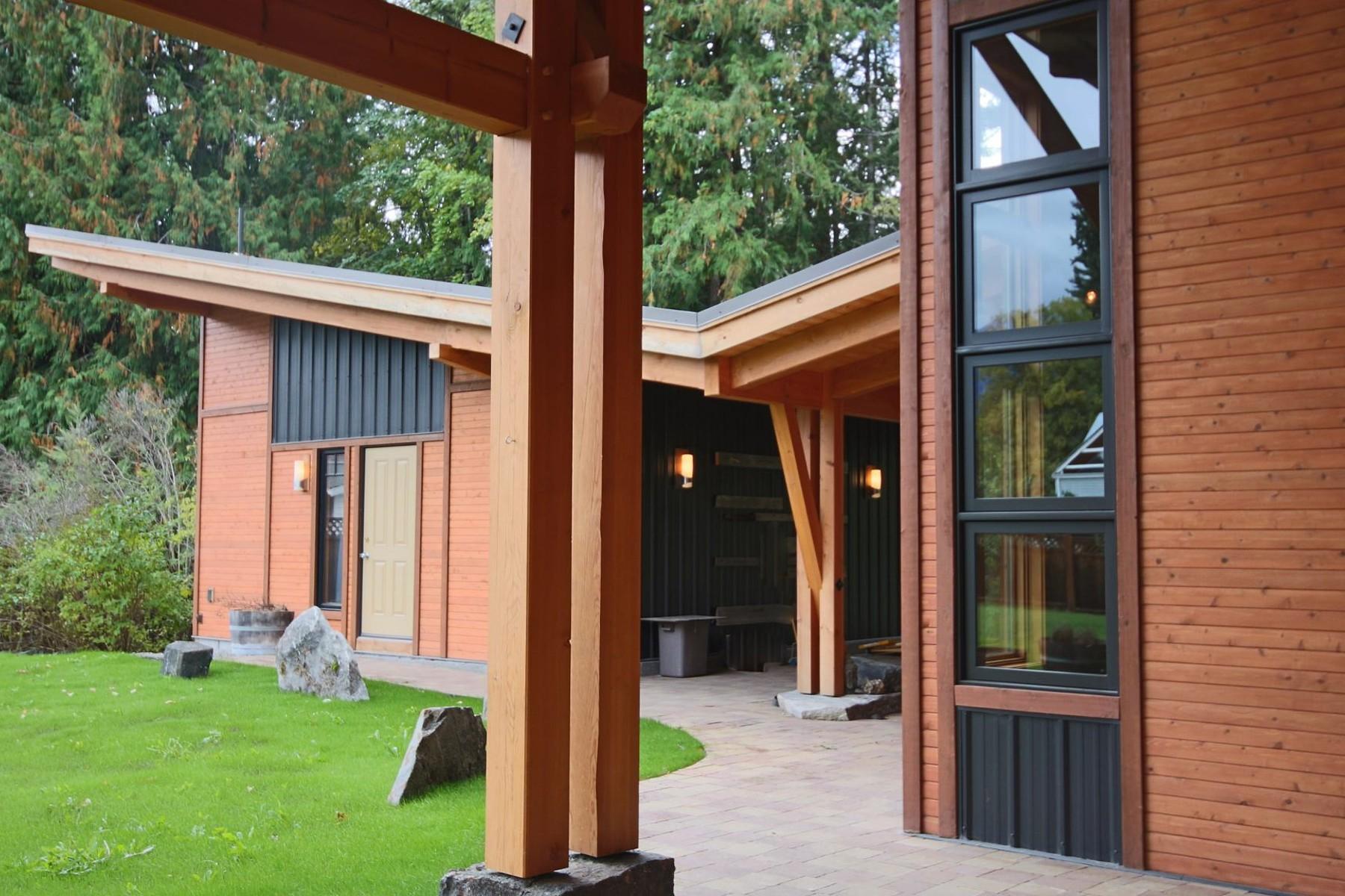 Casa para uma família para Venda às Enjoy Scenic Outdoors! 620 Railroad Avenue Kaslo, Columbia Britanica V0G 1M0 Canadá