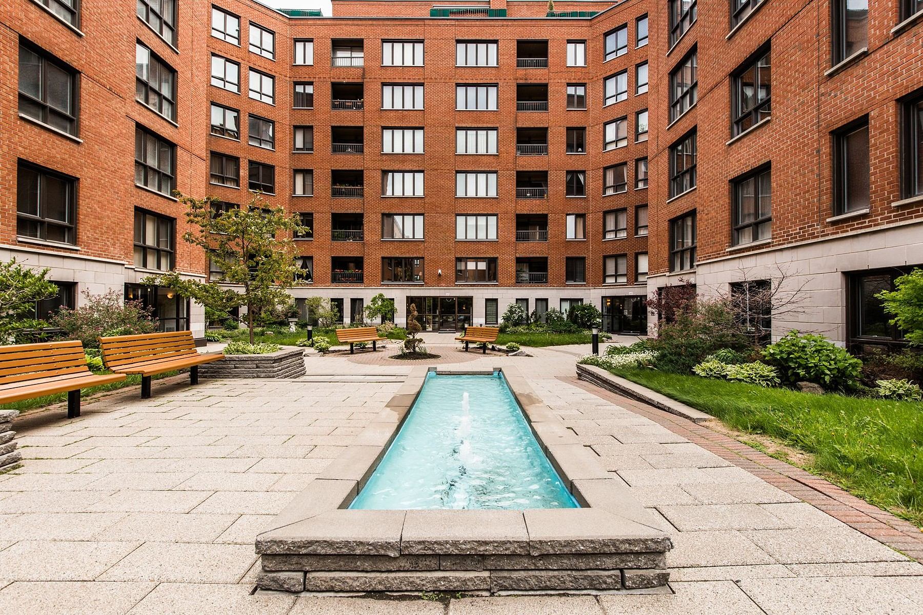 Tek Ailelik Ev için Satış at Le Sud-Ouest (Montréal), Montréal 2625 Rue Rufus-Rockhead, Apt. 701 Montreal, Quebec H3J2W5 Kanada