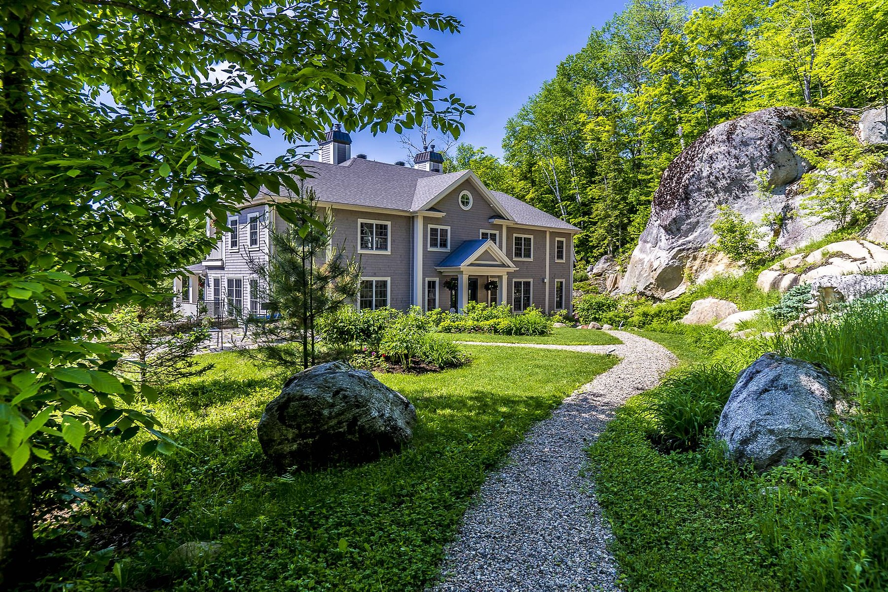 Single Family Home for Sale at Mont-Tremblant, Laurentides 905 Ch. Cochrane Mont-Tremblant, Quebec, J8E0C7 Canada