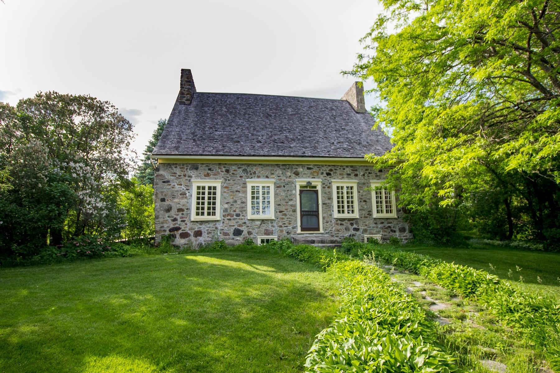 獨棟家庭住宅 為 出售 在 Beloeil, Montérégie 2100 Rue Richelieu Beloeil, 魁北克省, J3G2C9 加拿大
