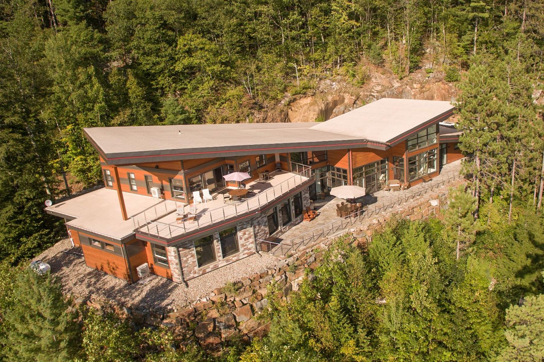 一戸建て のために 売買 アット Saint-Hippolyte, Laurentides 1139 431e Avenue Saint-Hippolyte, ケベック, J8A3P5 カナダ