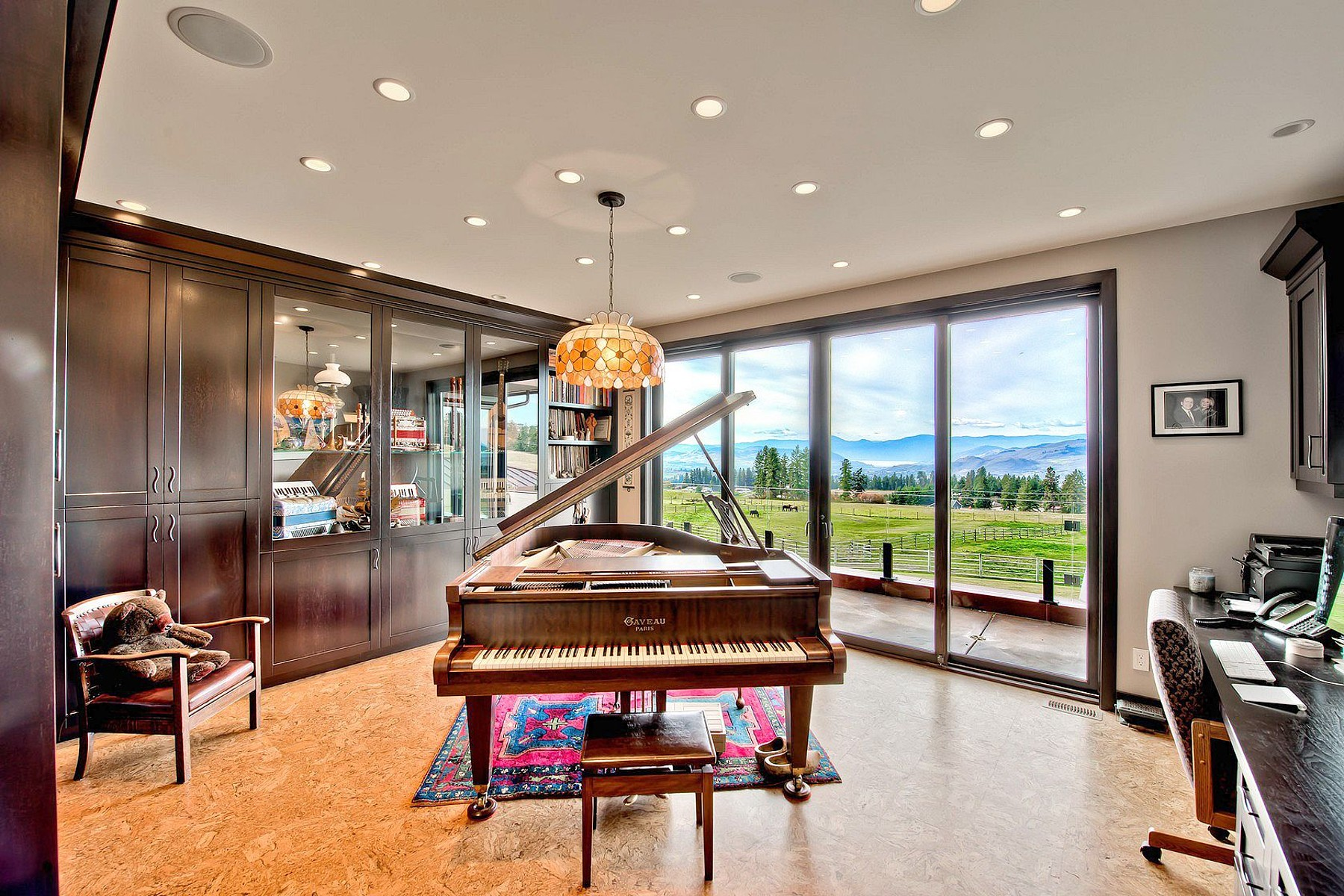 Additional photo for property listing at Dixon Estate  Vernon, British Columbia V1B 3J9 Canada