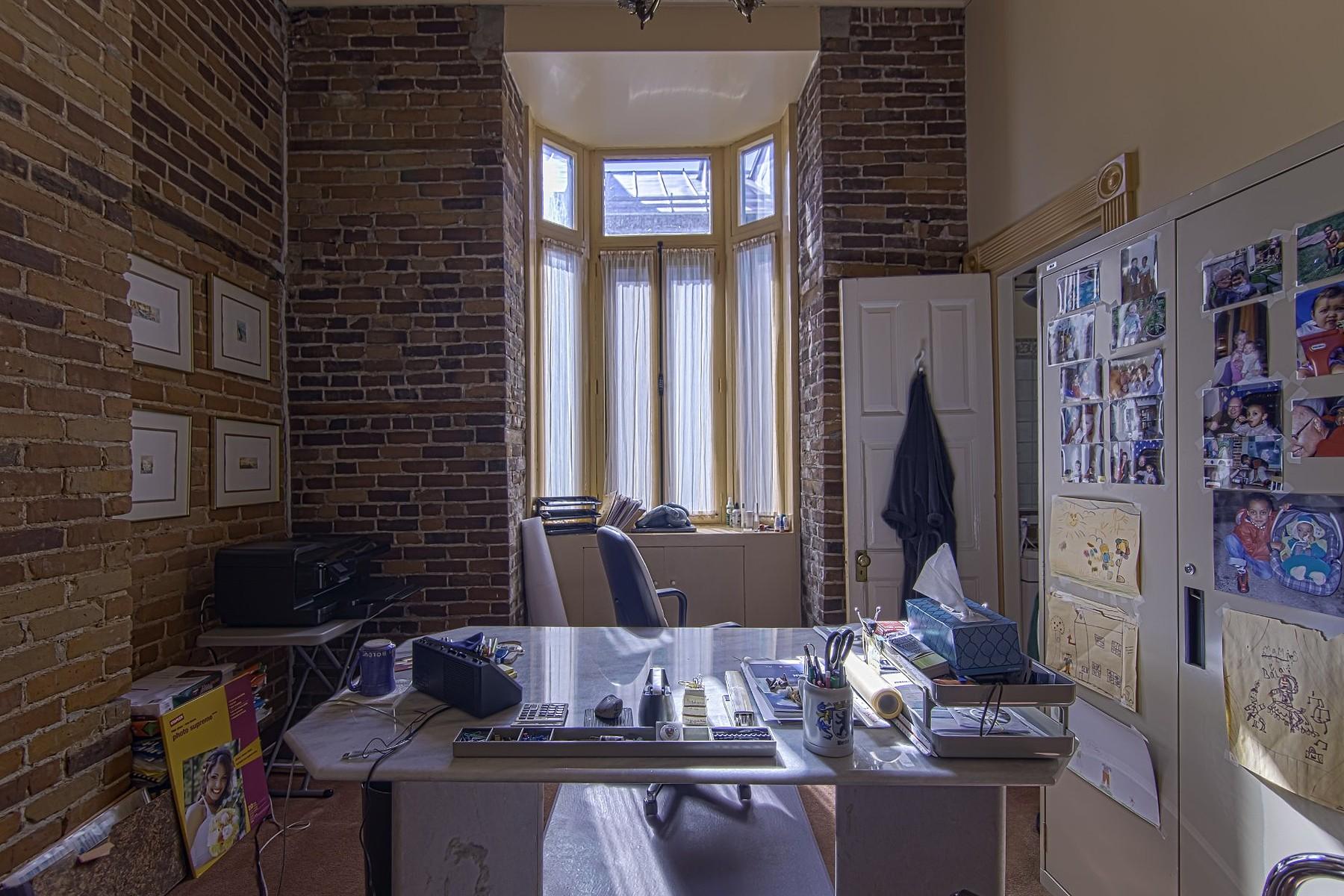 独户住宅 为 销售 在 La Cité, Capitale-Nationale 28 Av. Ste-Geneviève 魁北克, 魁北克省, G1R4B2 加拿大