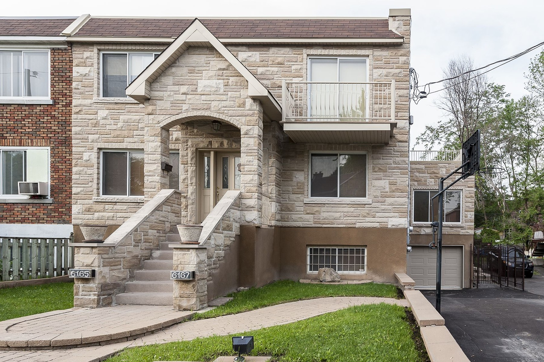 Single Family Home for Sale at Côte-des-Neiges / Notre-Dame-de-Grâce (Montréal), Montréal 6165 Av. MacDonald Montreal, Quebec H3X2W9 Canada