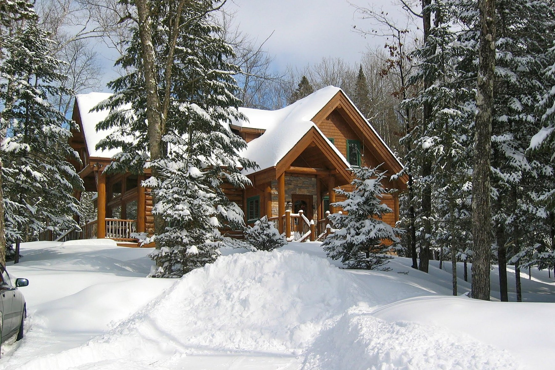 Single Family Home for Sale at Mont-Tremblant, Laurentides 251 Ch. Champagne Mont-Tremblant, Quebec, J8E1V4 Canada