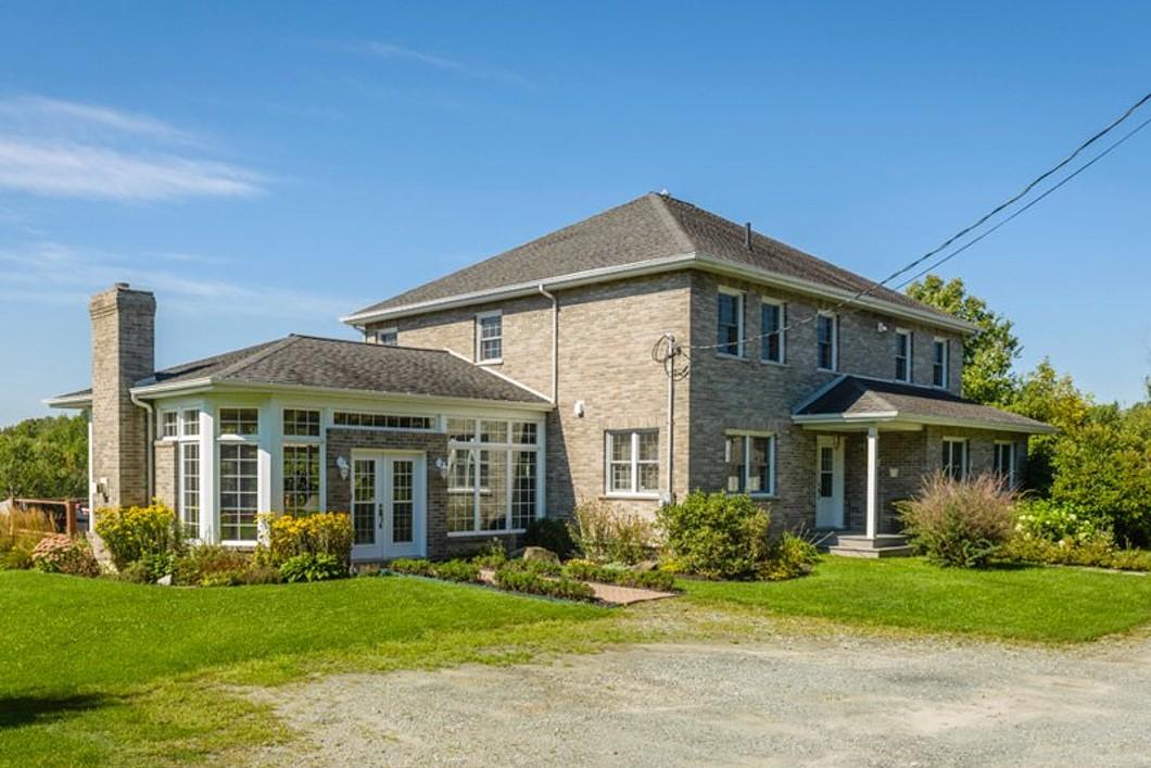 独户住宅 为 销售 在 Hatley - Canton, Estrie 55 Ch. de l'Université Hatley Canton, 魁北克省 J0B2C0 加拿大