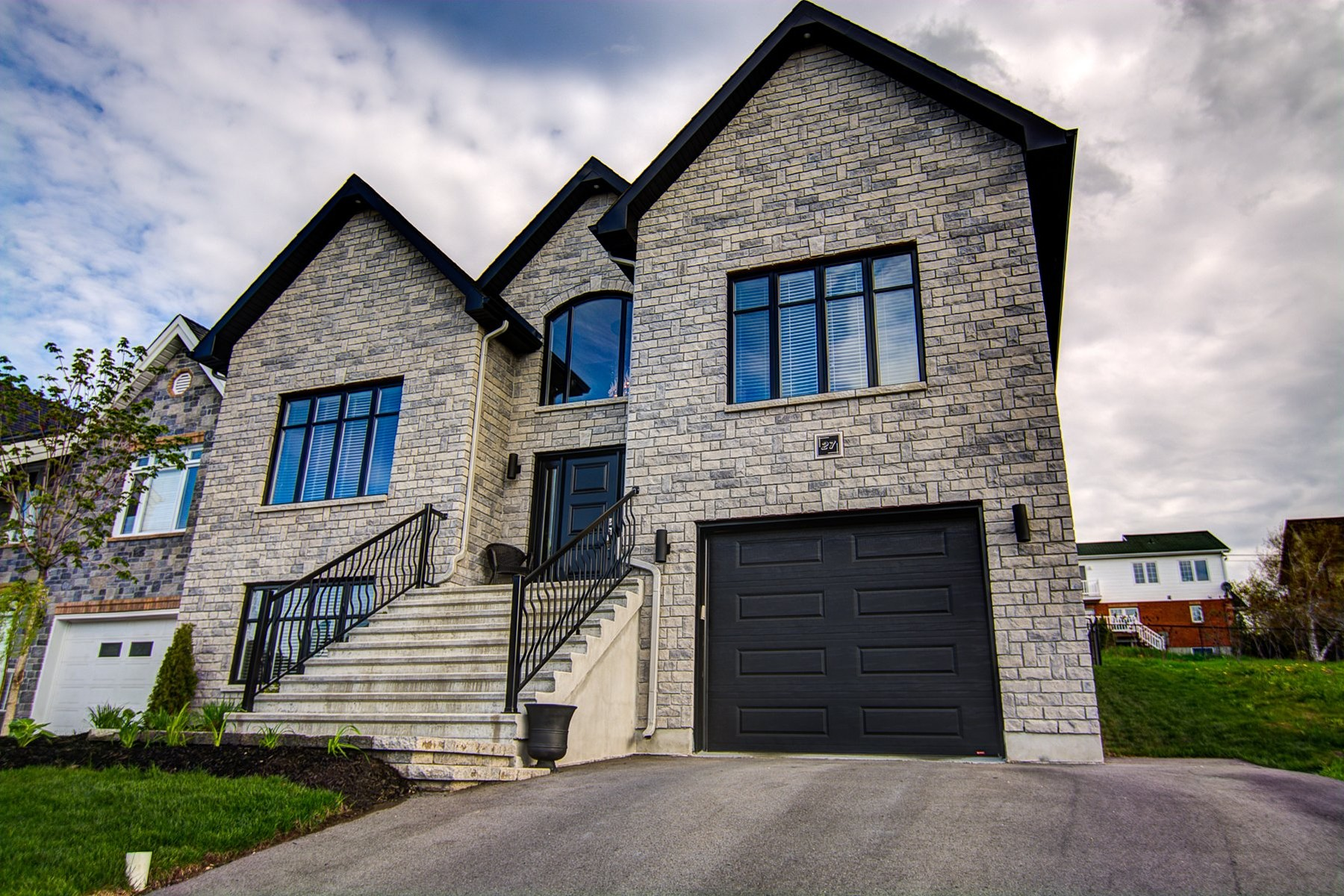 Single Family Home for Sale at Gatineau (Gatineau), Outaouais 27 Rue de St-Vallier Gatineau, Quebec, J8V3V5 Canada