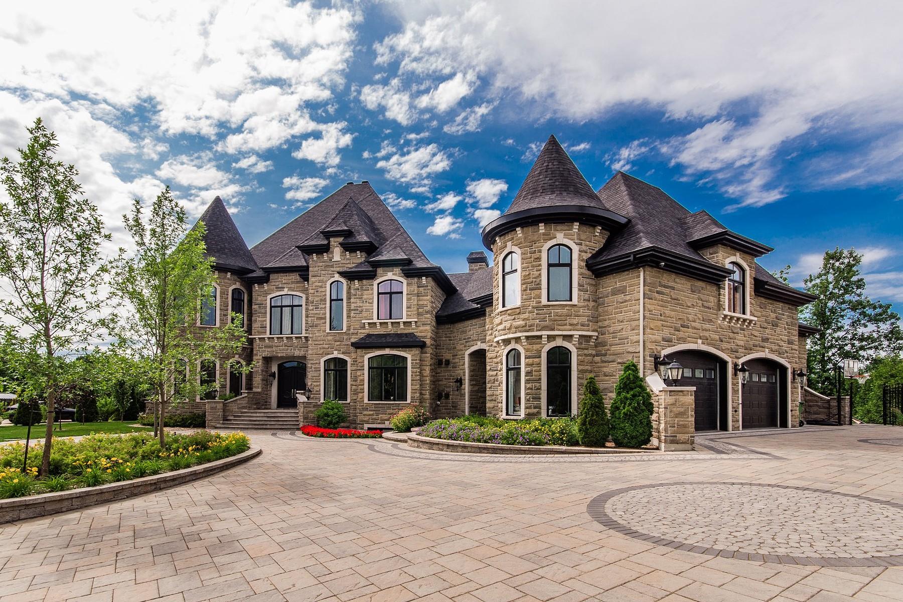Casa Unifamiliar por un Venta en Boucherville, Montérégie 740 Rue des Châtaigniers Boucherville, Quebec J4B8S3 Canadá