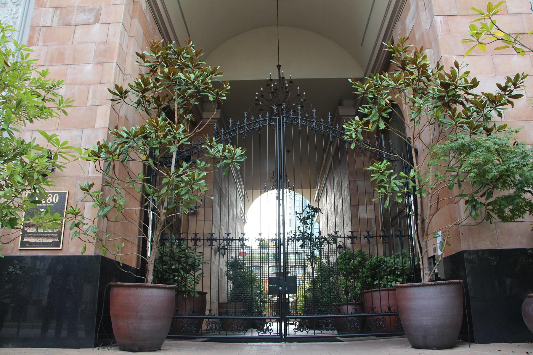 Condominium for Rent at Botique 2br Suite w Patio Vancouver, British Columbia V6B 1S2 Canada