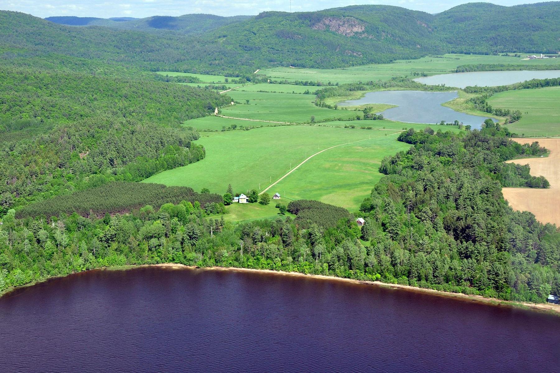 Fazenda / Quinta / Rancho / Plantação para Venda às 1628 acres WATERFRONT ESTATE 48A Ch. de la Montagne Sheenboro, Quebec, J0X2Z0 Canadá