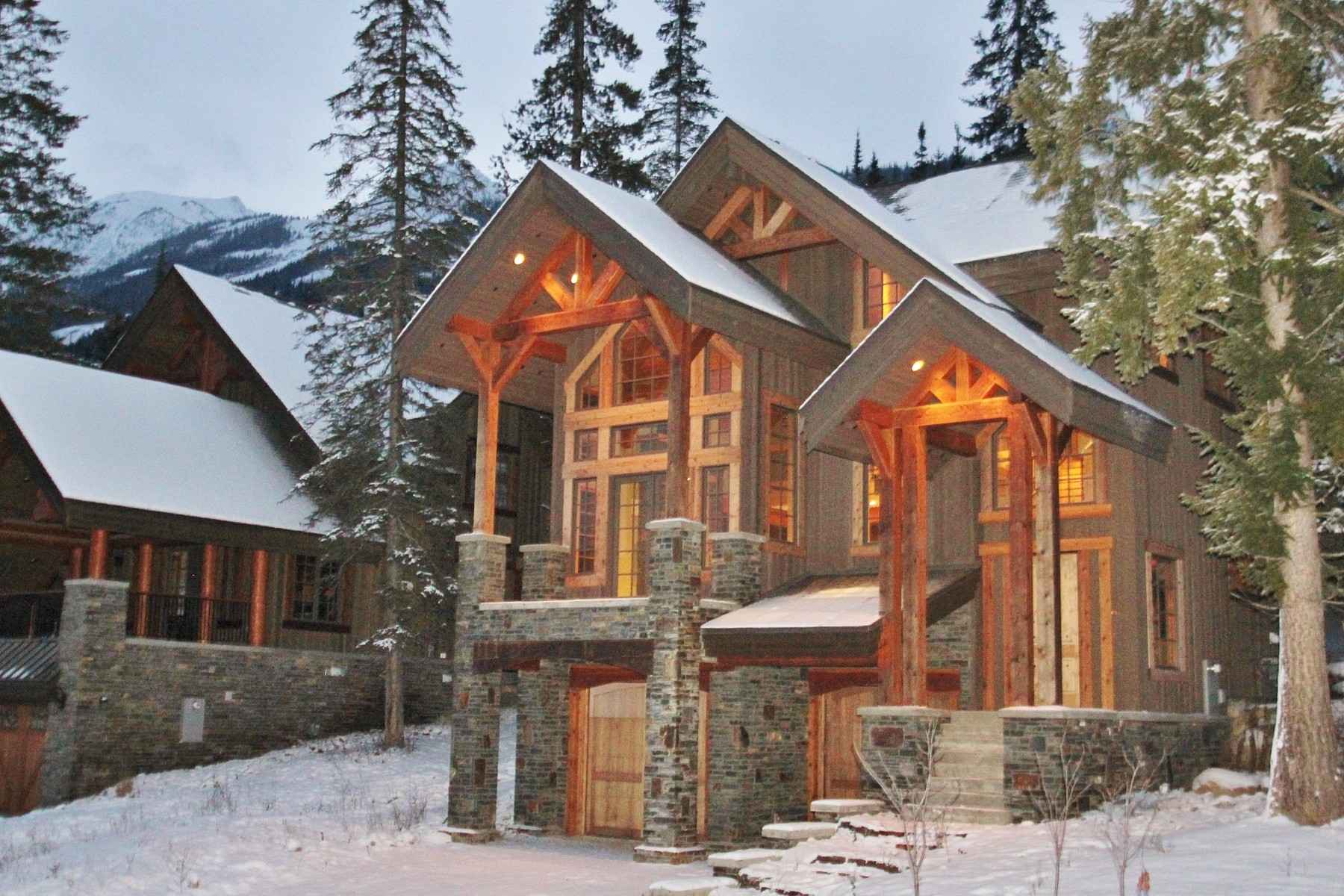 Outros residenciais para Venda às Exceptional Everything 1599 Golden Ave Golden, Columbia Britanica V0A 1H0 Canadá