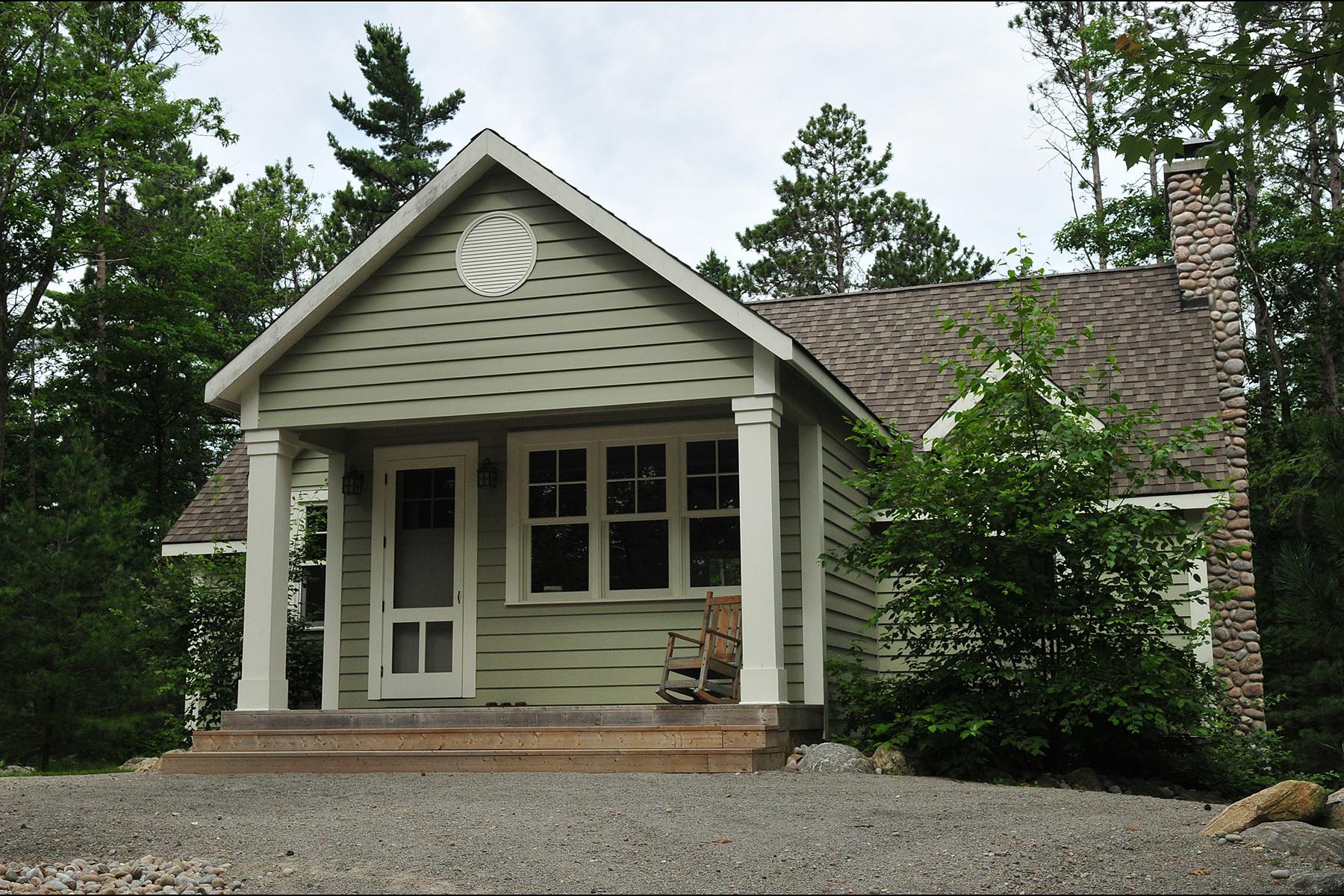 独户住宅 为 销售 在 Family Beachfront Estate 26 Walker Road Georgian Bay, 安大略省 L0L2J0 加拿大