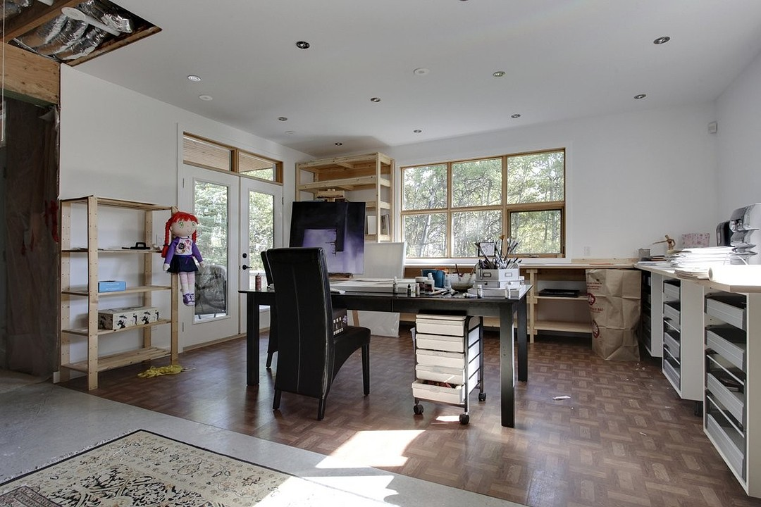 Additional photo for property listing at Calgary, Calgary and Foothills 33 1359 69 St Sw Calgary, Альберта T3H 3W8 Канада