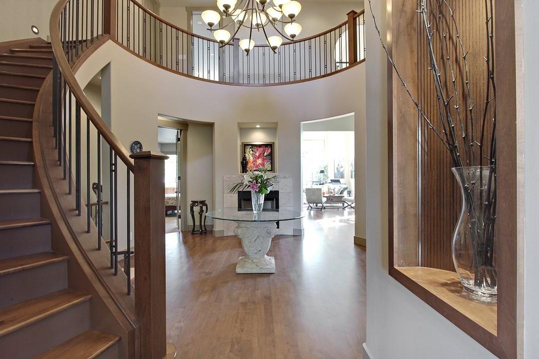 Частный односемейный дом для того Продажа на Calgary, Calgary and Foothills 33 1359 69 St Sw Calgary, Альберта T3H 3W8 Канада