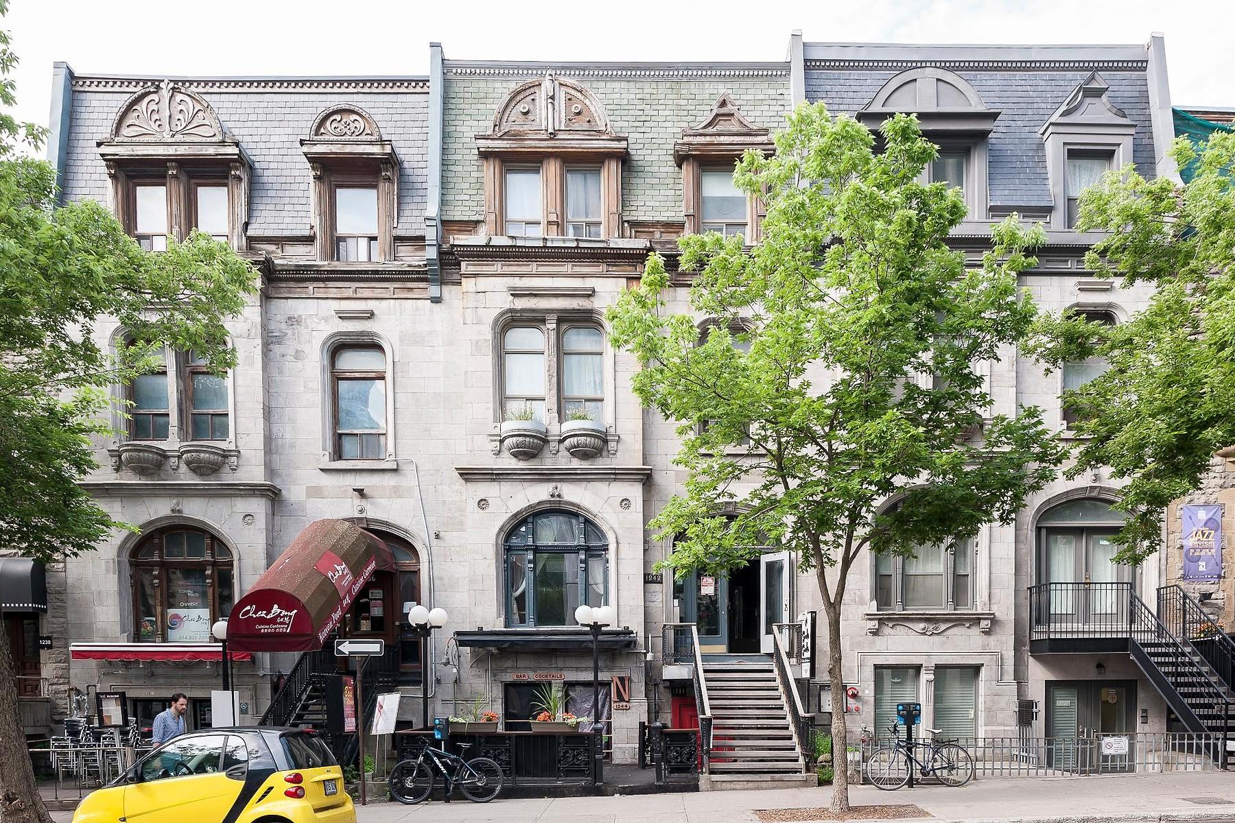 Casa multifamiliare per Vendita alle ore Ville-Marie, Montréal 1242A Rue MacKay Ville-Marie, Quebec, H3G2H4 Canada