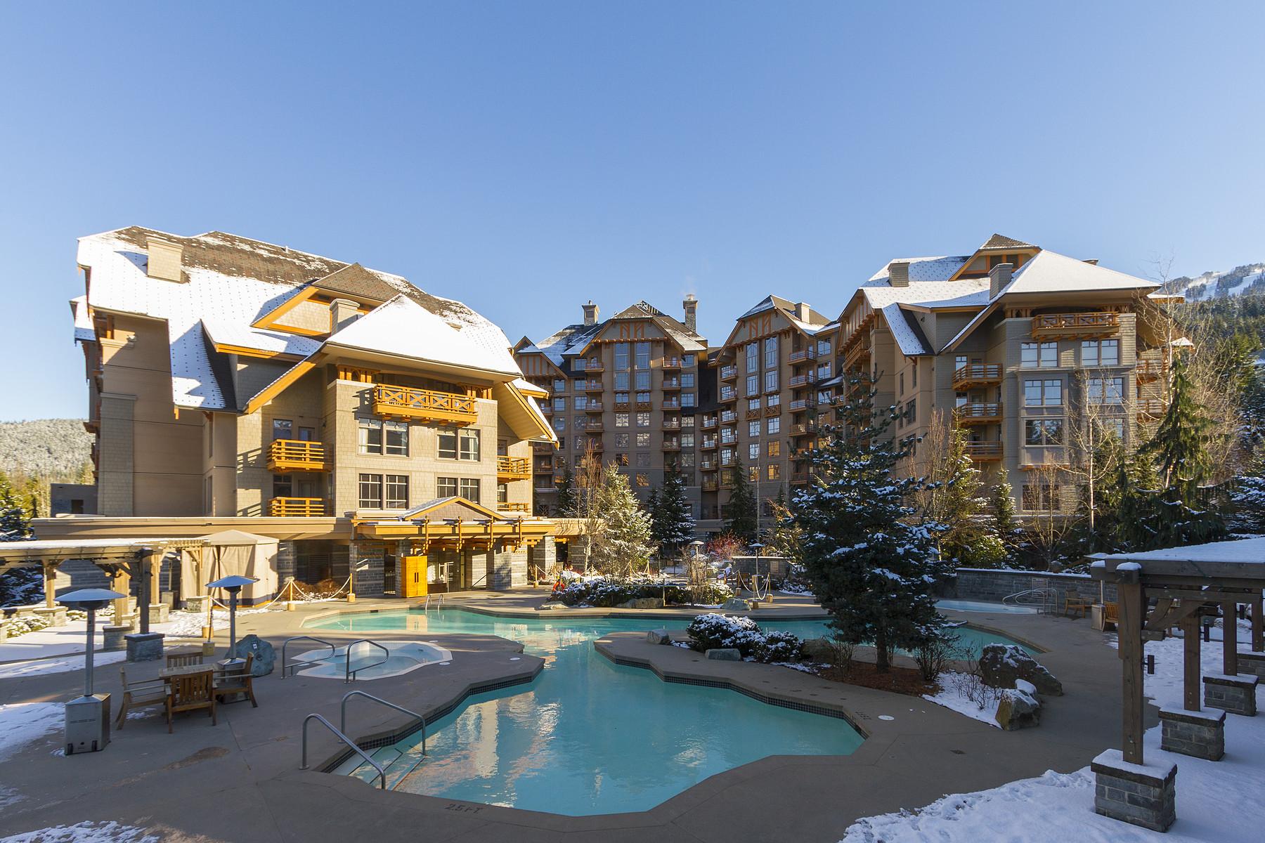 共管式独立产权公寓 为 销售 在 Four Seasons Resort Whistler 255 4591 Blackcomb Way 惠斯勒, 不列颠哥伦比亚省, V0N 1B4 加拿大