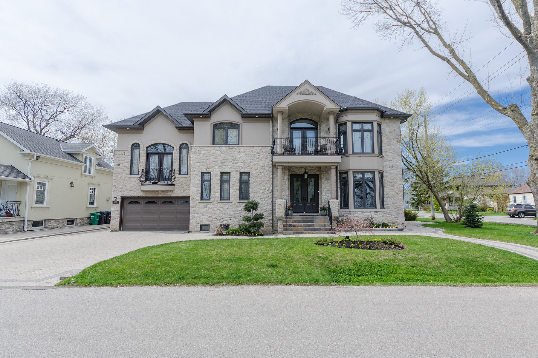 Single Family Home for Sale at Custom Built in Mississauga 625 Lakeside Ave Mississauga, Ontario, L5G4H6 Canada