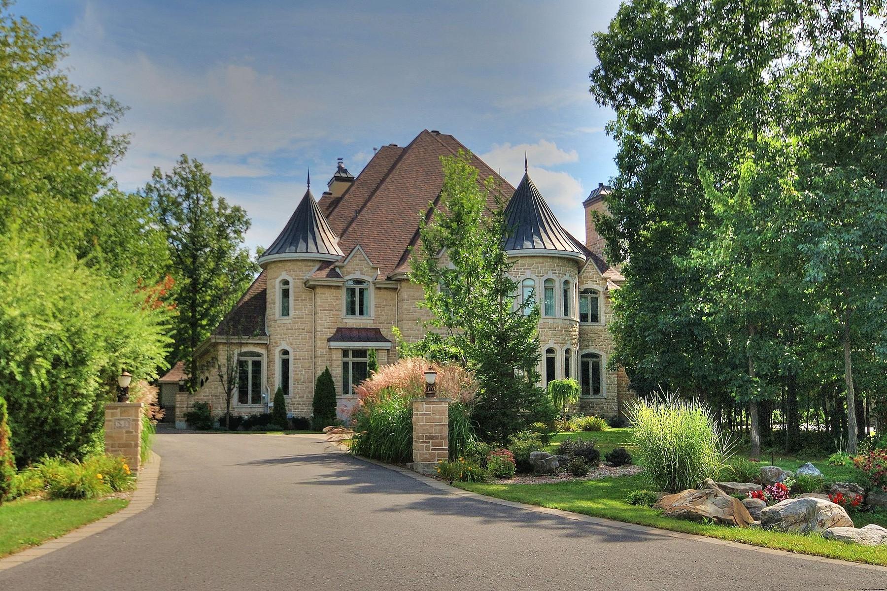Casa Unifamiliar por un Venta en Boucherville, Montérégie 694 Rue du Bosquet Boucherville, Quebec, J4B8V7 Canadá