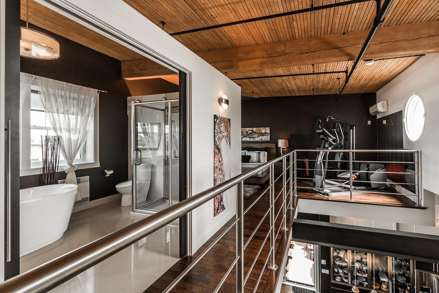 Additional photo for property listing at Saint-Hyacinthe, Montérégie 2020 Av. Lamothe, Apt. 214 Saint-Hyacinthe, Quebec J2S4J8 Canada