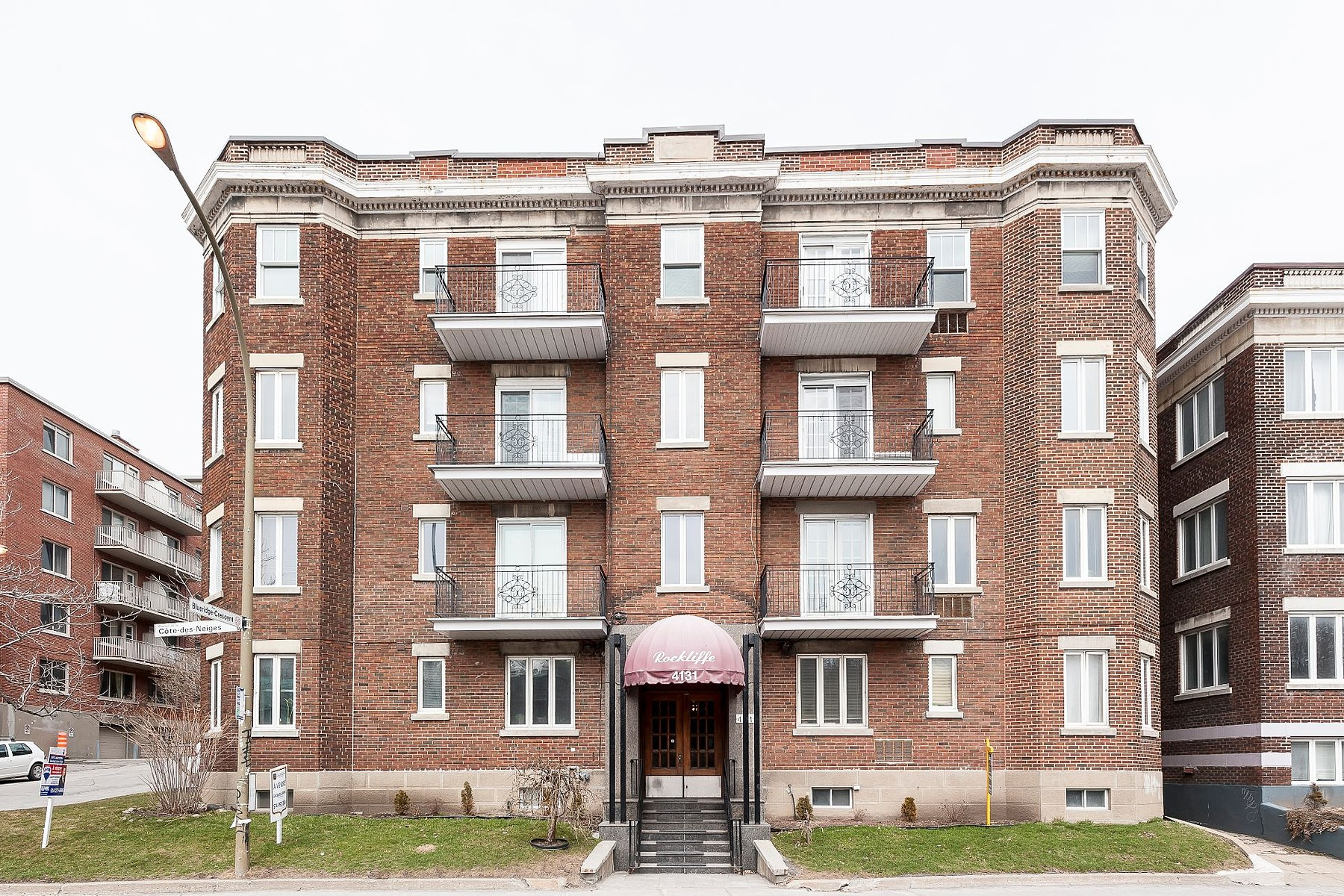 Additional photo for property listing at Ville-Marie, Montréal 4131 Ch. de la Côte-des-Neiges, Apt. 4 Ville-Marie, 魁北克省 H3H1X1 加拿大