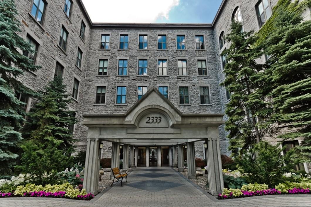 Single Family Home for Sale at Ville-Marie (Montréal), Montréal 2333 Rue Sherbrooke O., Apt. 519 Montreal, Quebec H3H2T6 Canada