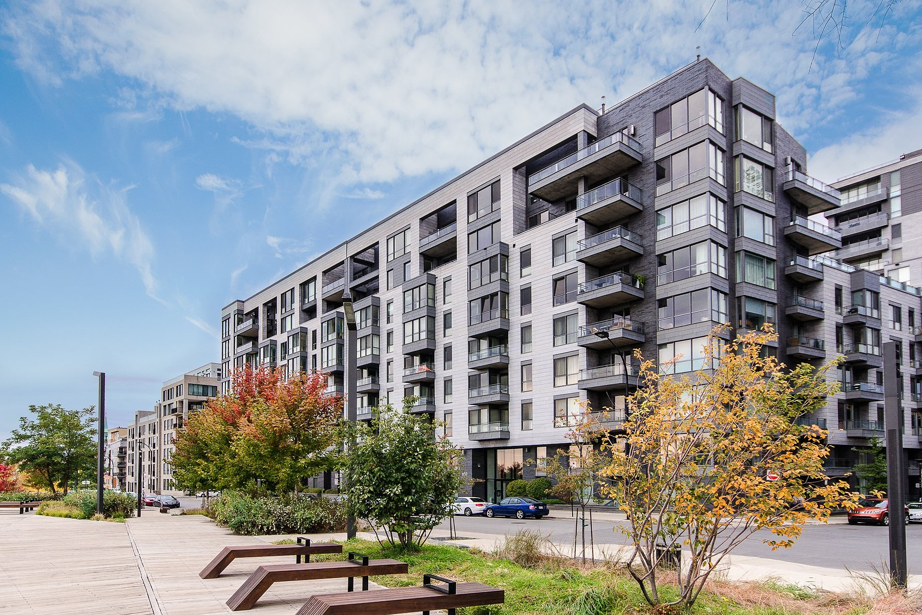 Kat Mülkiyeti için Satış at Ville-Marie (Montréal), Montréal 859 Rue de la Commune E., Apt. 802 Montreal, Quebec H2L0B9 Kanada
