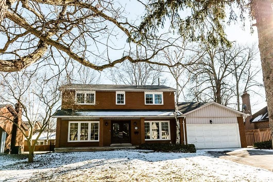 Maison unifamiliale pour l Vente à 2076 Mississauga Road Mississauga, Ontario L5H 2K6 Canada