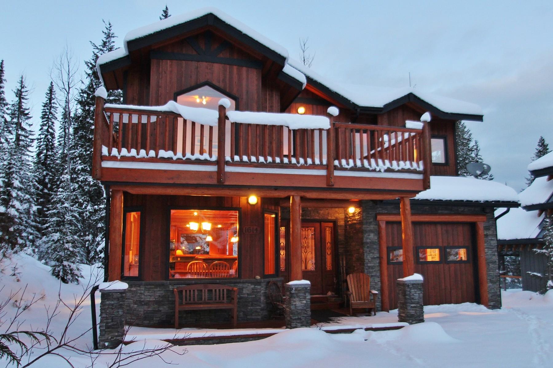 Casa para uma família para Venda às Cedar Creek Cabin in the Woods 1614 Purcell Woods Golden, Columbia Britanica V0A1H0 Canadá
