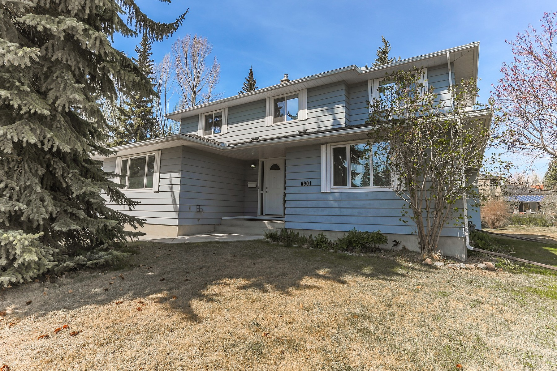 sales property at 6901 Lefroy Court SW