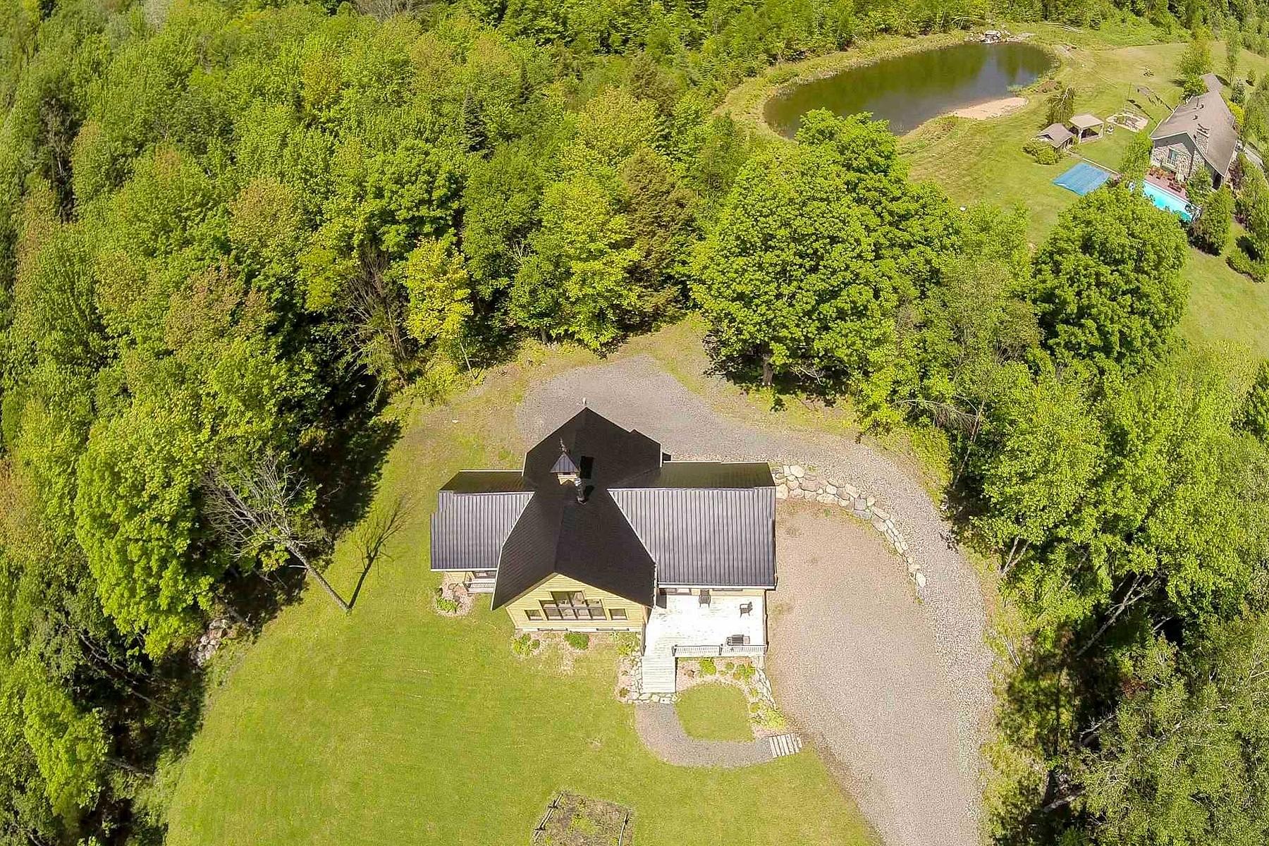 独户住宅 为 销售 在 Stukely-Sud, Estrie 475 Ch. Aline Stukely-Sud, 魁北克省, J0E2J0 加拿大