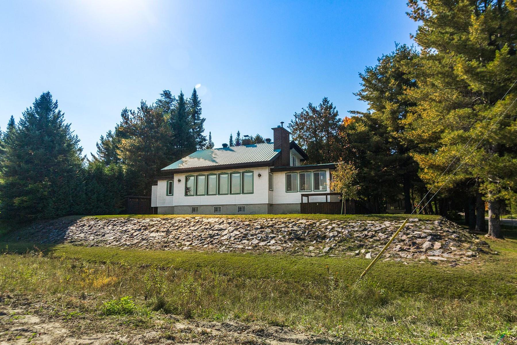 Single Family Home for Sale at Rawdon, Lanaudière 4998 Rue de la Promenade-du-Lac Rawdon, J0K1S0 Canada