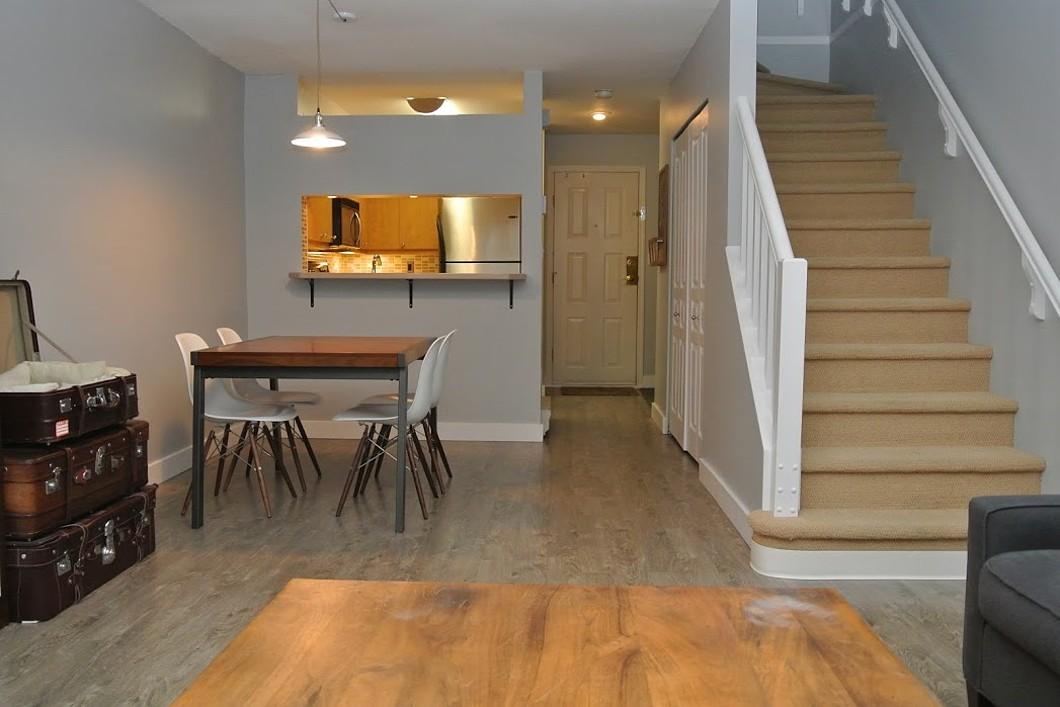 Maison de ville pour l Vente à Cambie Village Townhome 25-795 W. 8th Avenue Vancouver, Colombie-Britannique V5Z 1C9 Canada