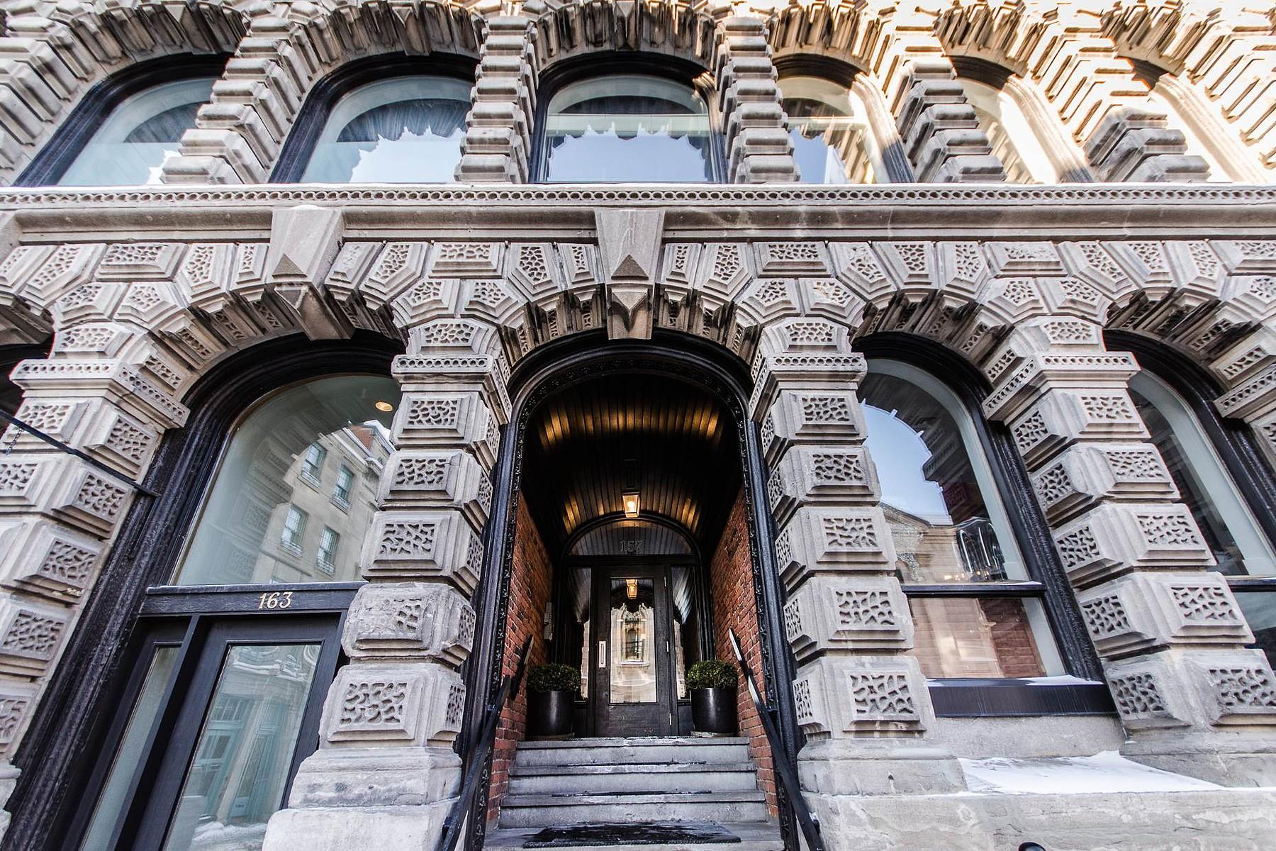 Tek Ailelik Ev için Satış at Ville-Marie (Montréal), Montréal 157 Rue St-Paul O., Apt. 39 Montreal, Quebec H2Y1Z5 Kanada